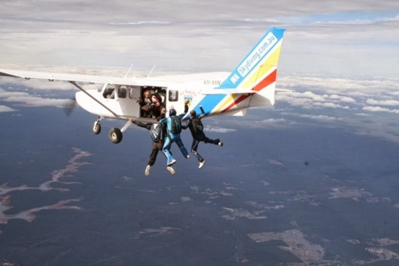 Bachelor Party In Australia - Sky diving